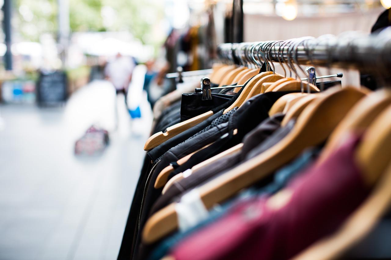 Hvordan bruke mindre penger på klær og spare mer!