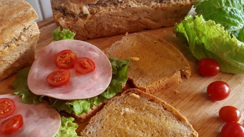 Surdeigstarter: Lag eller kjøp starter & bak deilige surdeigsbrød!